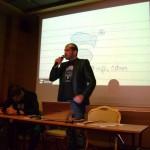 Стефан Чорбанов представя първата част от презентацията пред стажантите